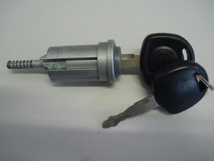 Suzuki Ignis gyújtáskapcsoló